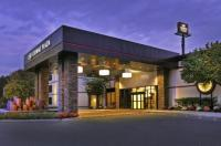 Crowne Plaza Hotel Suffern Image