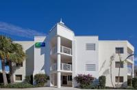 Holiday Inn Express Oceanview Juno Beach Image