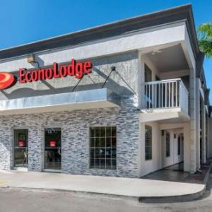 Hotels near West Tampa Convention Center - Econo Lodge Airport At RJ Stadium