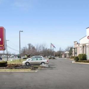 Hotels near Patchogue Theatre - Clarion Hotel And Conference Center