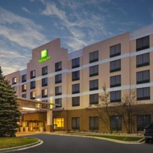 Tailgaters Sports Bar & Grill Bolingbrook Hotels - Holiday Inn Hotel & Suites Bolingbrook