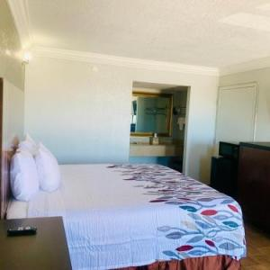 Hotels near Grand Opera House of the South - Budget Inn And Suites Crowley