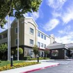 Accommodation near Le Petit Trianon Theatre - Holiday Inn Express Hotel & Suites San Jose - International Airport