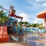 Hotels near The Phoenix Club Anaheim - Howard Johnson Anaheim Hotel And Water Playground