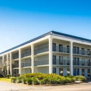 Baymont Inn And Suites Pensacola