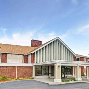 Hotels near Comedy Connection East Providence - Ramada Seekonk Providence Area