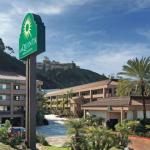 UltraStar Cinemas San Diego Accommodation - La Quinta Inn & Suites San Diego SeaWorld Zoo Area