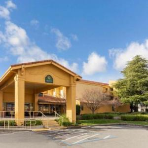Redding Civic Auditorium Hotels - La Quinta Inn & Suites Redding
