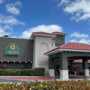 Lockhart Stadium Hotels - La Quinta And Suites Fort Lauderdale Cypress Creek