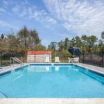 Accommodation near Escambia County Equestrian Center - Days Inn Pensacola West