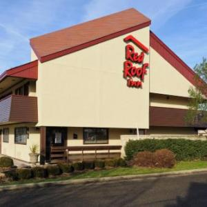 Autobahn Country Club Hotels - Red Roof Inn Joliet