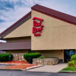 Hotels near University of Chicago Fossil Lab - Red Roof Inn Lansing