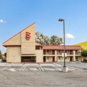 Red Roof Inn - Santa Ana