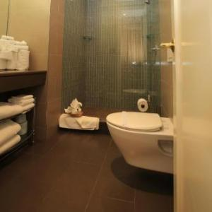 Hotels near Nederlander Theatre - Radio City Apartments