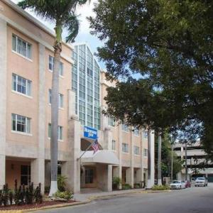 Hotels near Alex Rodriguez Park at Mark Light Field - Rodeway Inn South Miami - Coral Gables