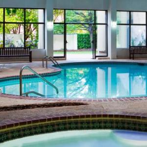 Hotels Near Hamlet Golf Country Club Commack Ny