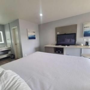 Hotels near Paul & Daranne Folino Theater - Best Western Orange Plaza