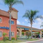 The Rhythm Lounge Hotels - Lynwood Century Freeway Travelodge