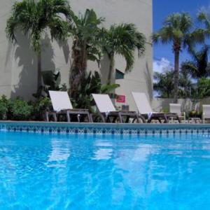 Hotels near Robert Russell Theater - Country Inn & Suites By Carlson Miami Kendall