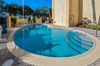 La Quinta Inn & Suites West Palm Beach Airport Image