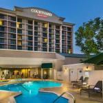 Hotels near Nick's Taste of Texas - Courtyard Los Angeles Pasadena-Monrovia