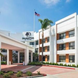 Cal Poly Pomona Hotels - Hilltop Suites Hotel