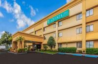 La Quinta Inn & Suites Orlando South Image