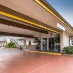 Hotels near Sleep Train Amphitheatre Chula Vista - Best Western South Bay Inn