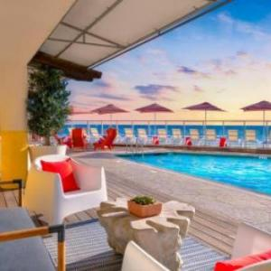 Carlsbad Village Theatre Hotels - Beach Terrace Inn