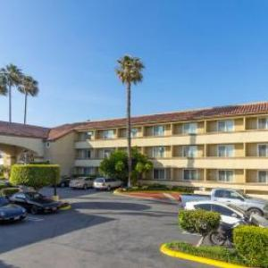 Hotels near The Pacific Amphitheatre - Best Western Plus Newport Mesa Inn