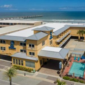 Hotels near Queen's Harbour Yacht & Country Club - Best Western Oceanfront