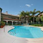 Nick's Taste of Texas Accommodation - Best Western San Dimas Hotel & Suites