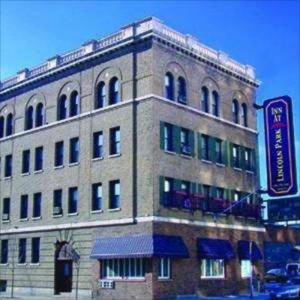 Victory Gardens Theatre Hotels - Inn At Lincoln Park