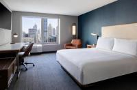 Courtyard By Marriott Chicago Downtown/River North