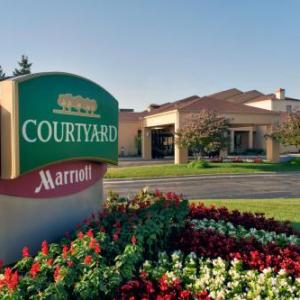 Genesee Theatre Hotels - Courtyard By Marriott Chicago Waukegan/Gurnee
