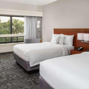 Courtyard By Marriott Miami Lakes