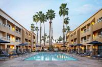 Courtyard By Marriott Palm Springs Image