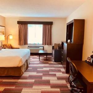 Best Western Plus Stoneridge Inn And Conference Centre