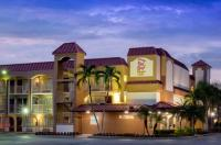 Red Roof Inn & Suites Naples Image