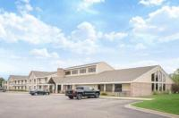 Baymont Inn and Suites Lakeville Image