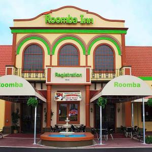 Old Town Kissimmee Hotels - Roomba Inn & Suites - Kissimmee