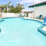 Accommodation near Tiki Bar Costa Mesa - Days Inn Newport Beach - Costa Mesa