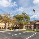 Accommodation near Howlin Moon - Comfort Inn Airport Grand Rapids