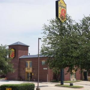 Hotels near Plaza Arts Center Carrollton - Super 8 Farmers Branch/North Dallas