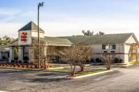 Econo Lodge & Suites - Greensboro Image