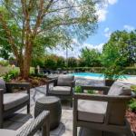 Red Hat Amphitheater Accommodation - Holiday Inn Raleigh North