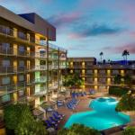 El Zaribah Shrine Auditorium Hotels - Doubletree Guest Suites Phoenix