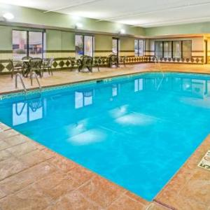 Hotels near Northlands Ice Center - Wingate By Wyndham - Cincinnati - Blue Ash