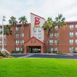 Accommodation near Ak-Chin Pavilion - Red Roof Inn Phoenix West