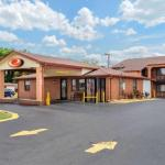 Hotels near Carl Black Chevy Woods Amphitheater - Econo Lodge North